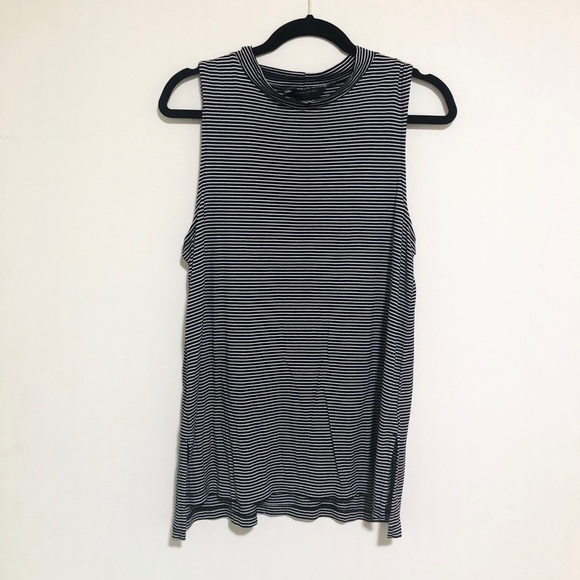 Banana Republic Tops - Banana republic tank